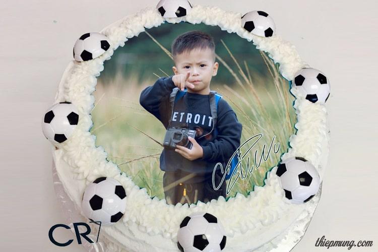 Ghép ảnh vào bánh sinh nhật bóng đá có chữ ký Ronaldo cực chất