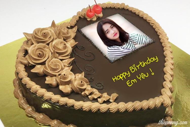 Bánh sinh nhật hình trái tim socola với ảnh của bạn