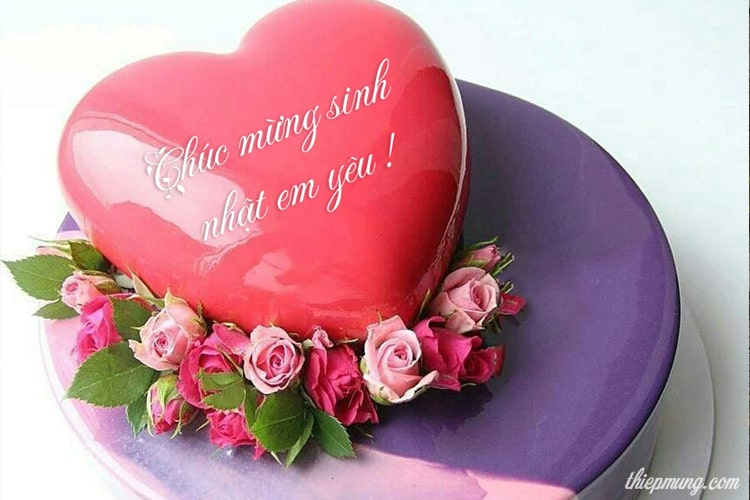 Ghi tên trên bánh sinh nhật trái tim lãng mạn